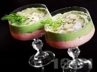 Рецепта Нежен мус от авокадо и рулца от раци